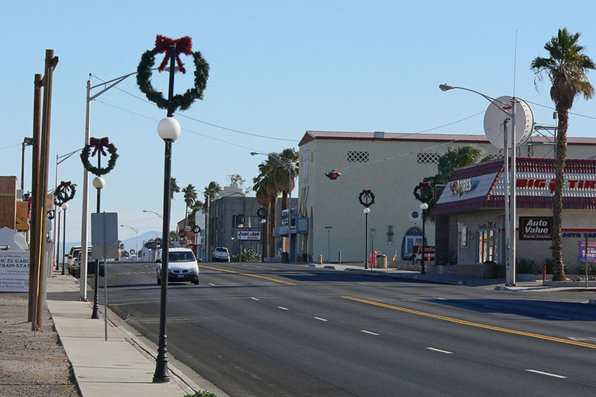 Broadway Street in Needles, California, was photographed by Stan Shebs on December 23, 2006.