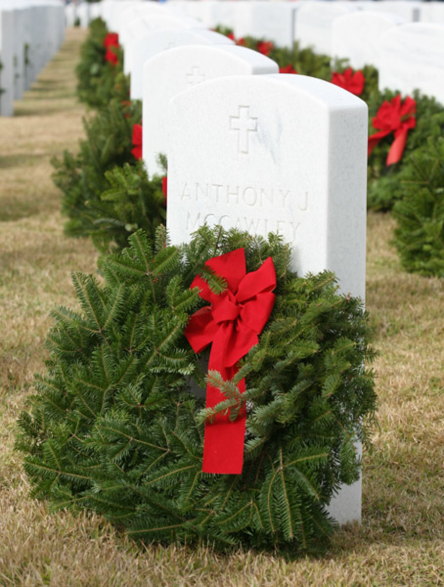 Wreaths Across America Honors and Remembers Veterans at Christmas