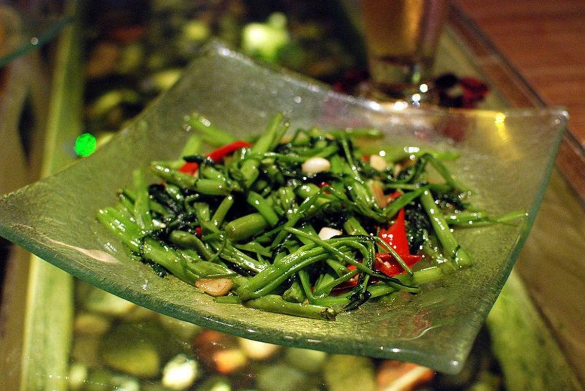 Stir-fried garlic kangkong with chilli