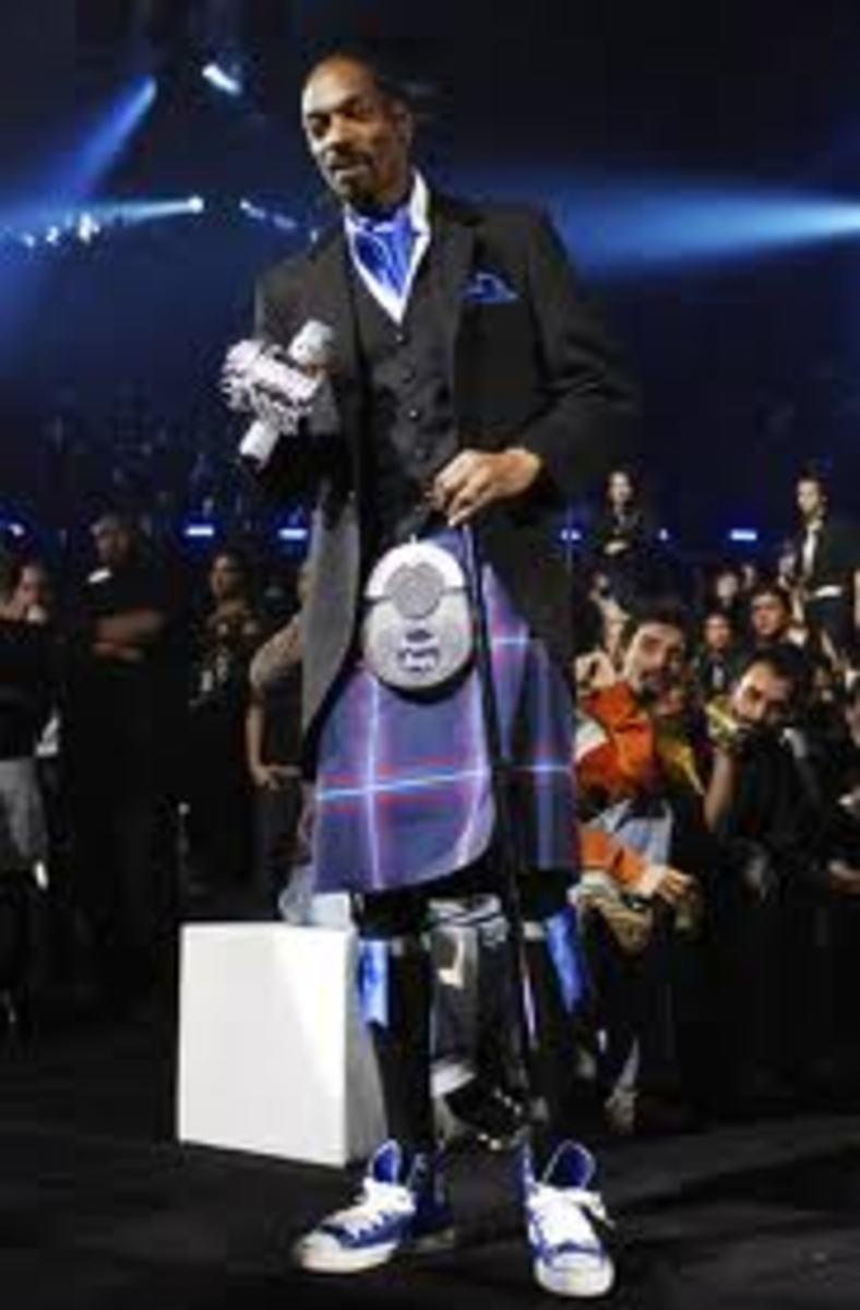Snoop Dogg in a Skirt - Former Gangster Rapper