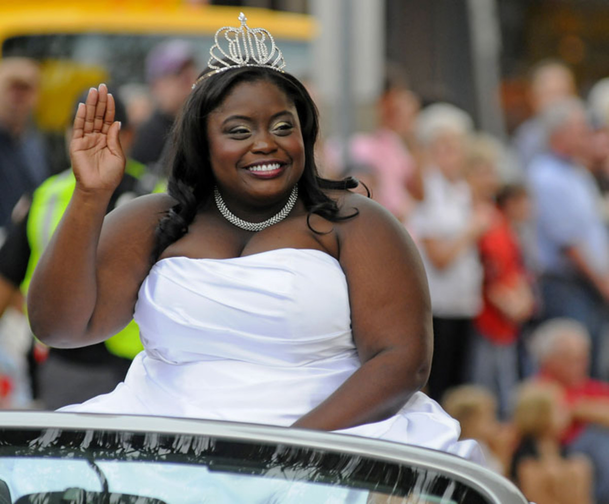 "The University of Mississippi, in 2012, crowned its first African American homecoming queen, the effervescent and beautiful, ""plus-sized"" history maker, Roxanne Pearson."