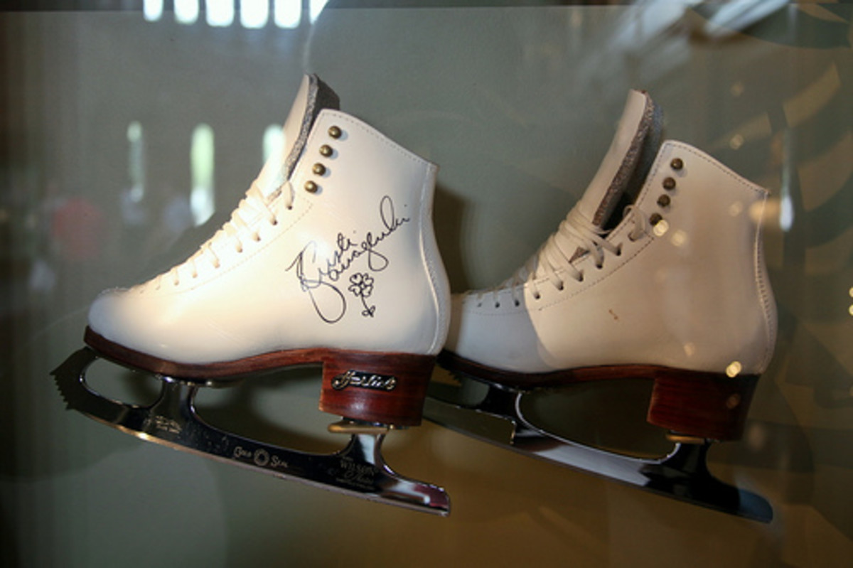 Ice skates are a great prop for couples or groups or friends who enjoy this hobby or who skate professionally.