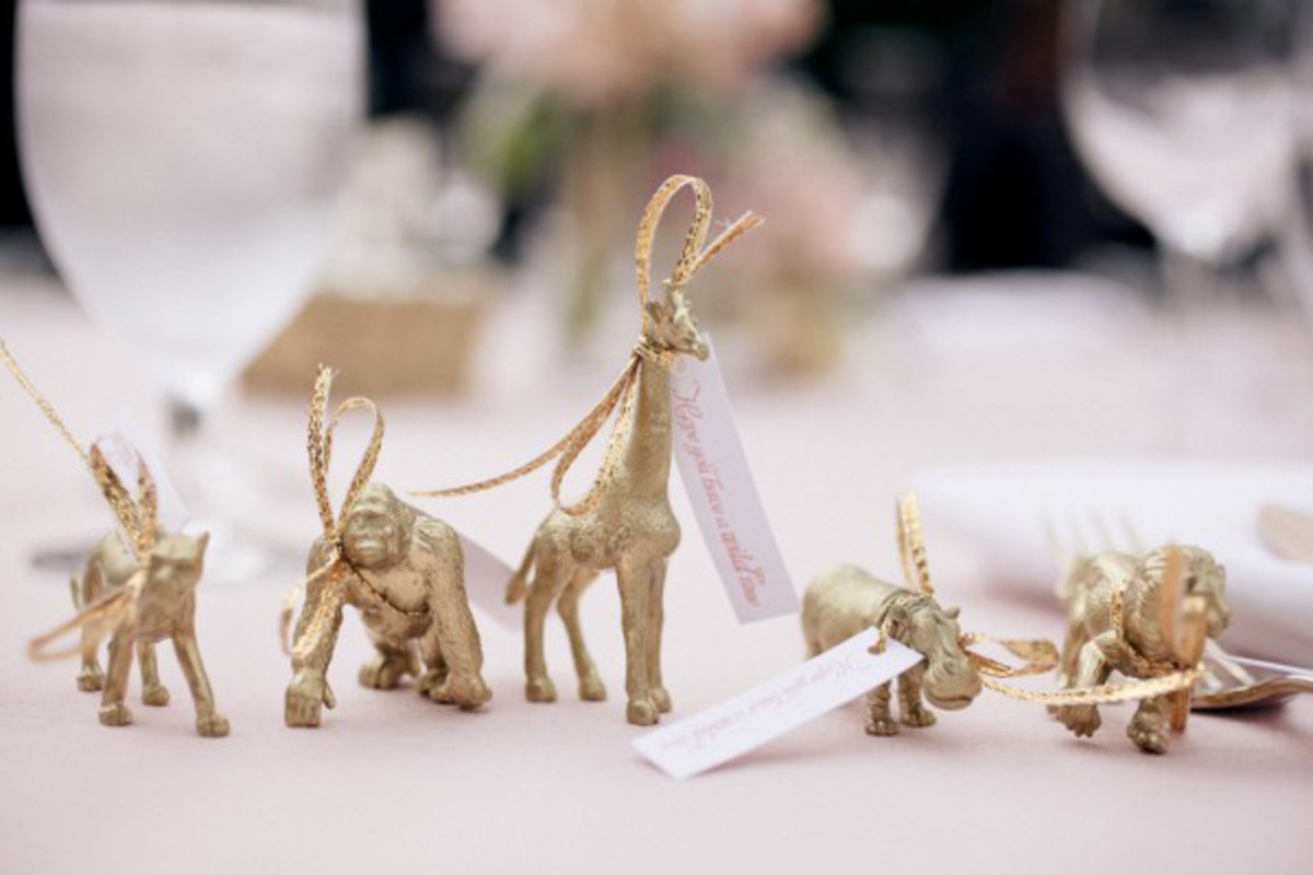 painted-plastic-animals-diy-inspiration-for-all-sorts-of-celebrations