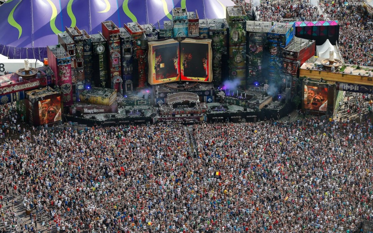 Yes, the rumours are true, the world famous electronic music festival, TomorrowLand, will be coming to South Africa in February 2015. TomorrowLand, which has been held in Belgium for the past eight years, is one of the largest and sought after intern