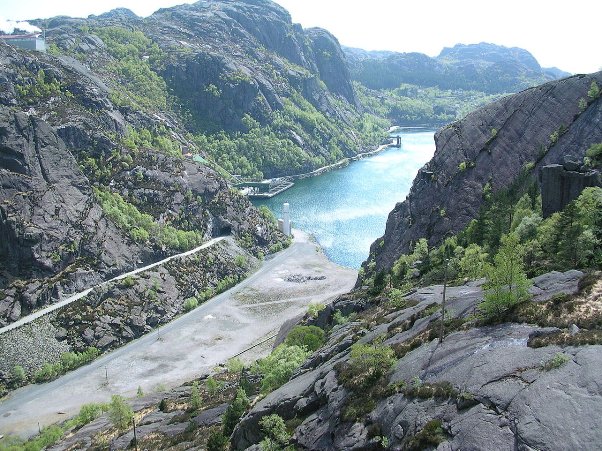 A really impressive fjord in Norway! Very secluded and protected!