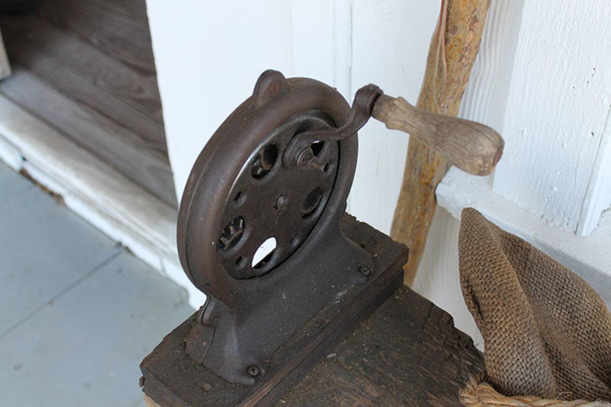 Vintage rope maker