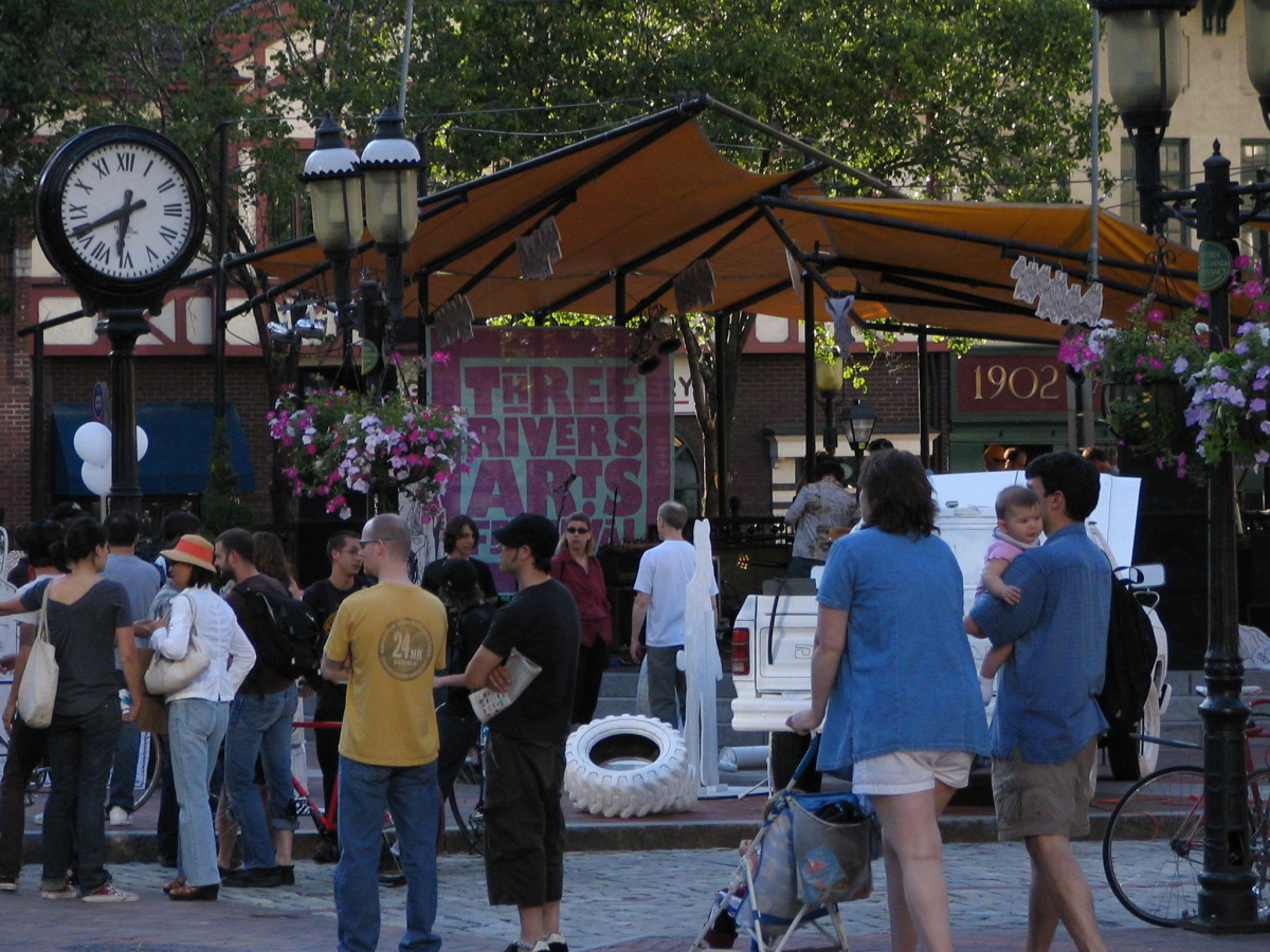 Market Square - Downtown Pittsburgh Three Rivers Arts Festival