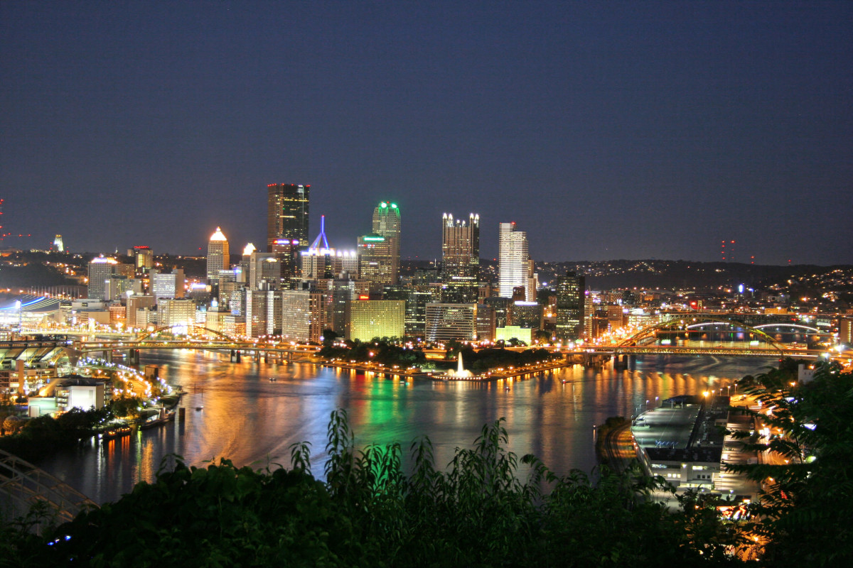 Pittsburgh, PA - Skyline - West End Overlook