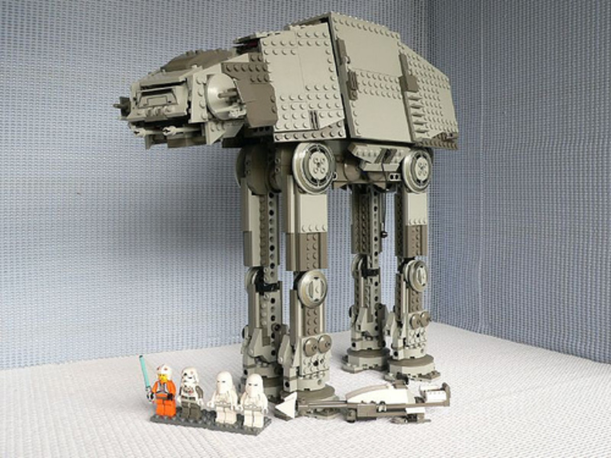 LEGO Star Wars AT-AT 4483 Assembled