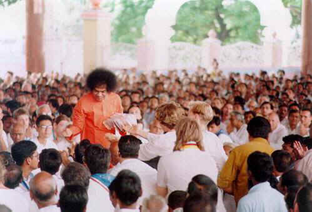 "The ""darshan"" rounds during which Bhagawan Baba collected letters..."