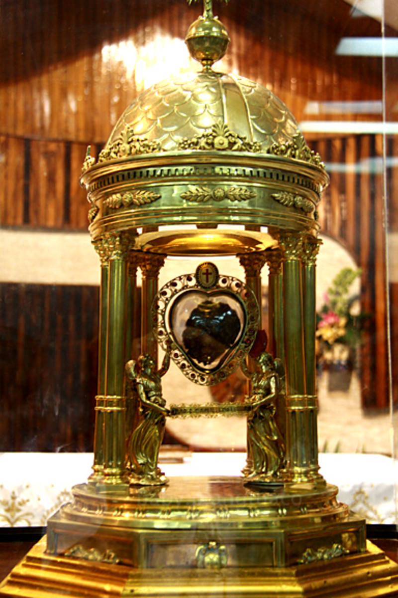 heart relic of St. Camillus inside its dome-shaped reliquary