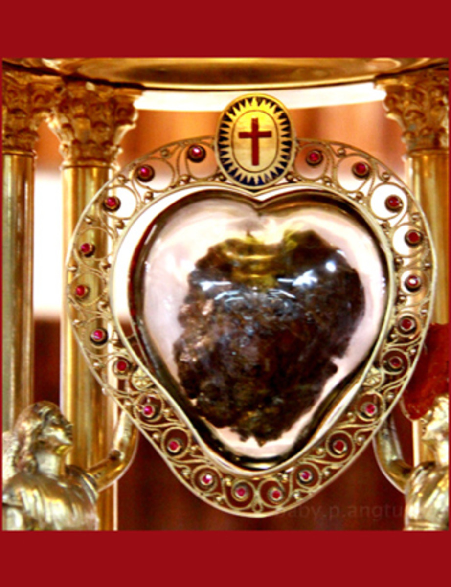 close-up of the heart relic