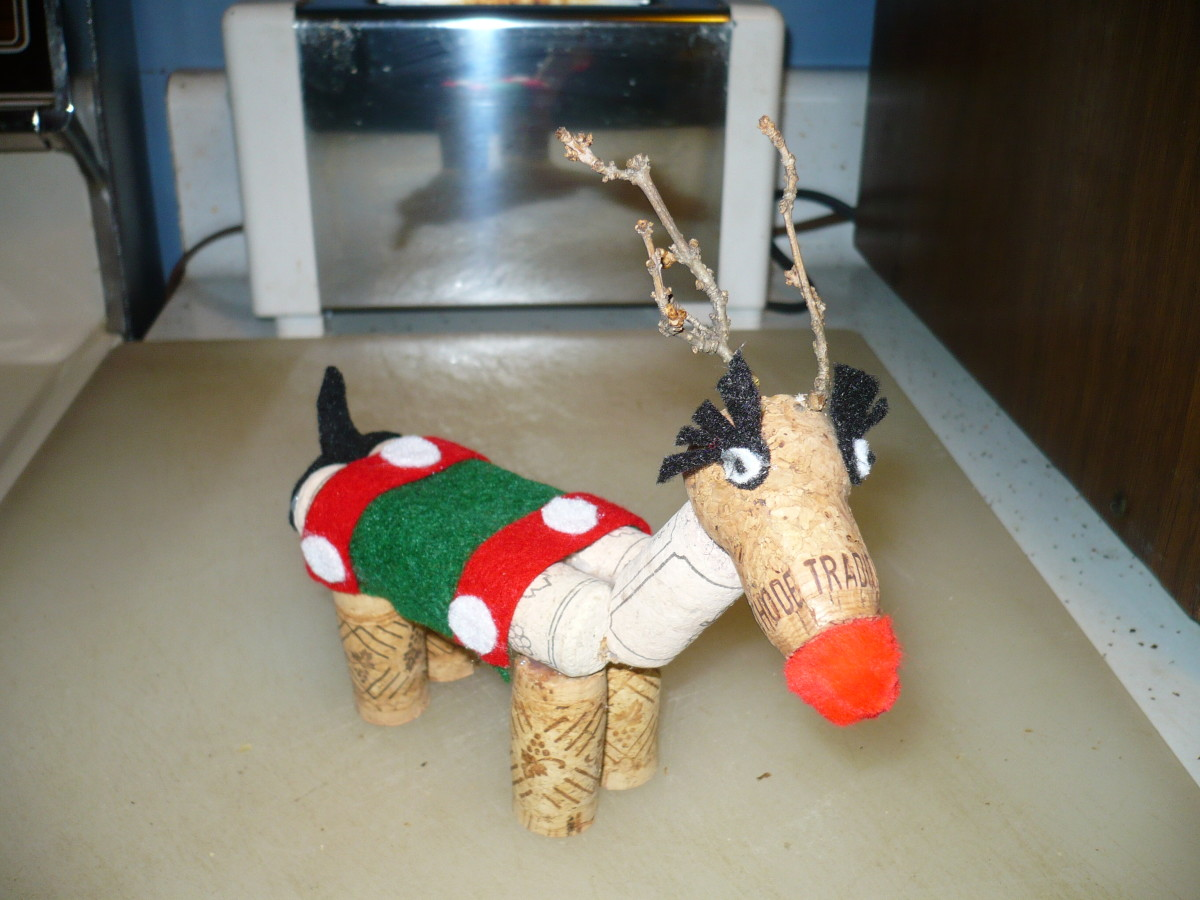 DIY Wine cork Christmas reindeer