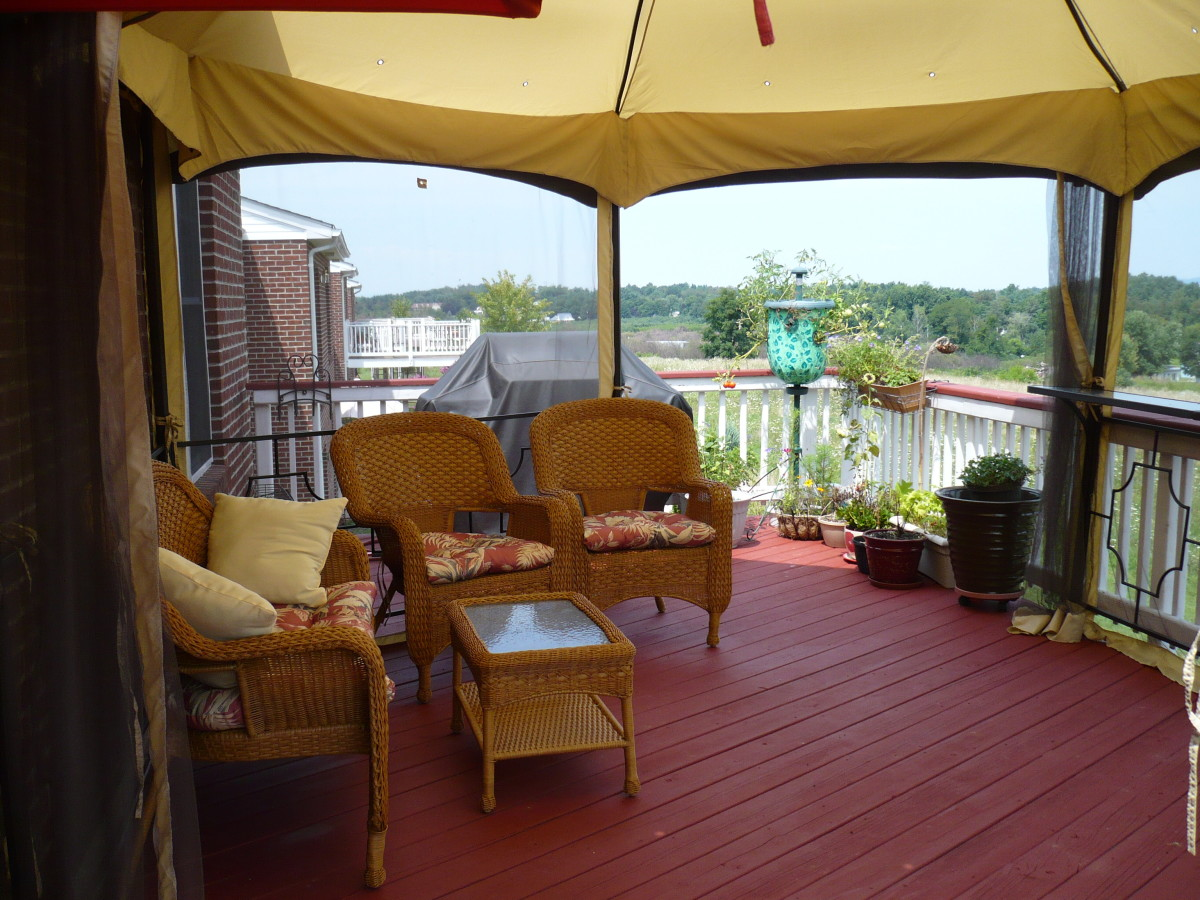 Top deck with Golden Gazebo