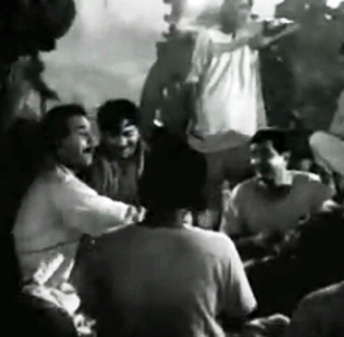 Raj Kapoor in Teesri Kasam.  A very authentic folk song about love at first sight.