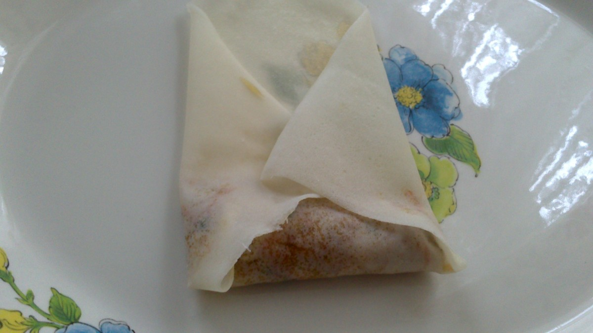 Folding both sides of spring roll