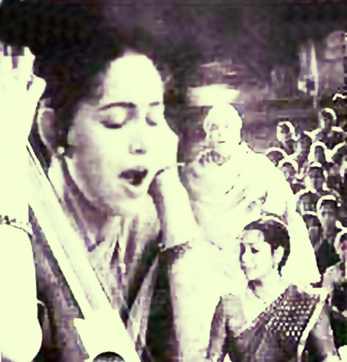 A melodious bhajan in Raag Bhupali by Kavita Krishnamurthi and Roop Singh Rathod