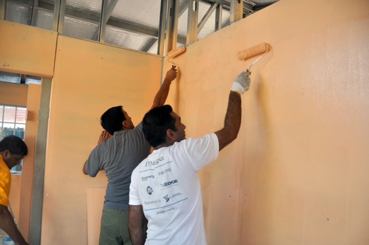 Todas las paredes en el interior están pintados a la perfección con dos capas de pintura de emulsión.