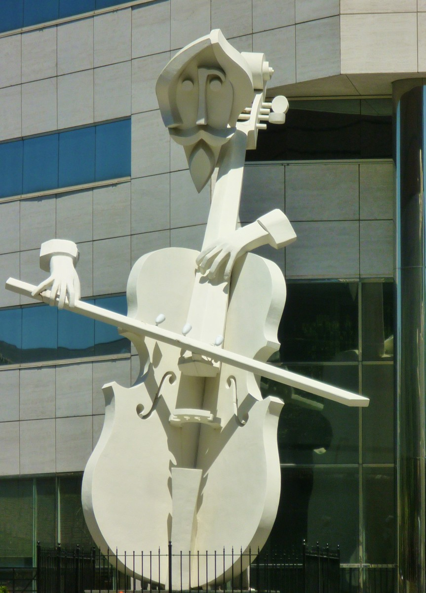 Virtuoso Sculpture by David Adickes, 1983.