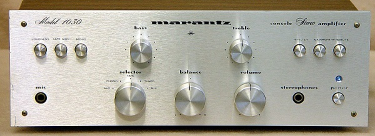 A great vintage solid state amplifier by Marantz.
