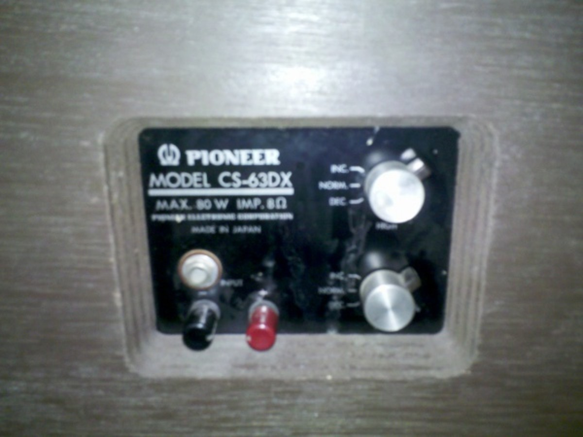 Potentiometers shaping the mid-range and treble of many older speakers are subject to corrosion and oxidation.