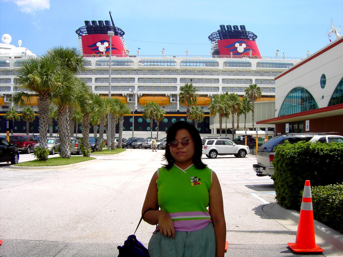 Me, in front of the Disney Wonder in Port Canaveral, August 2008