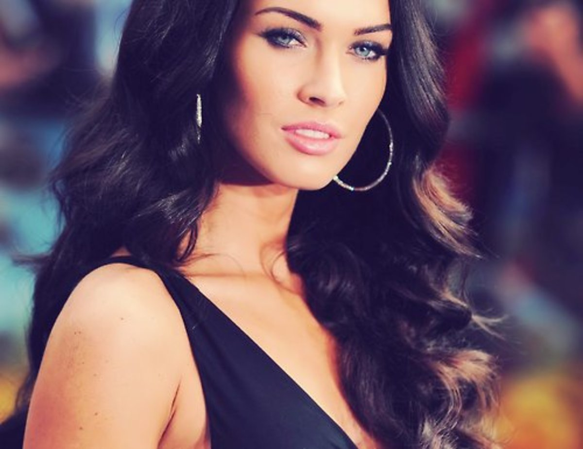 What makes Megan Fox look Hot?