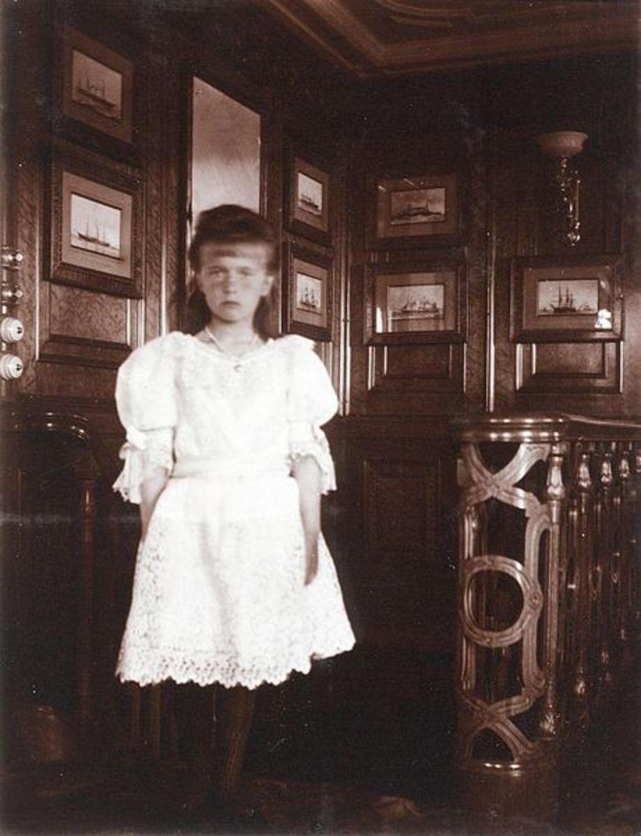 Anastasia as a young girl, when her family was still in power.