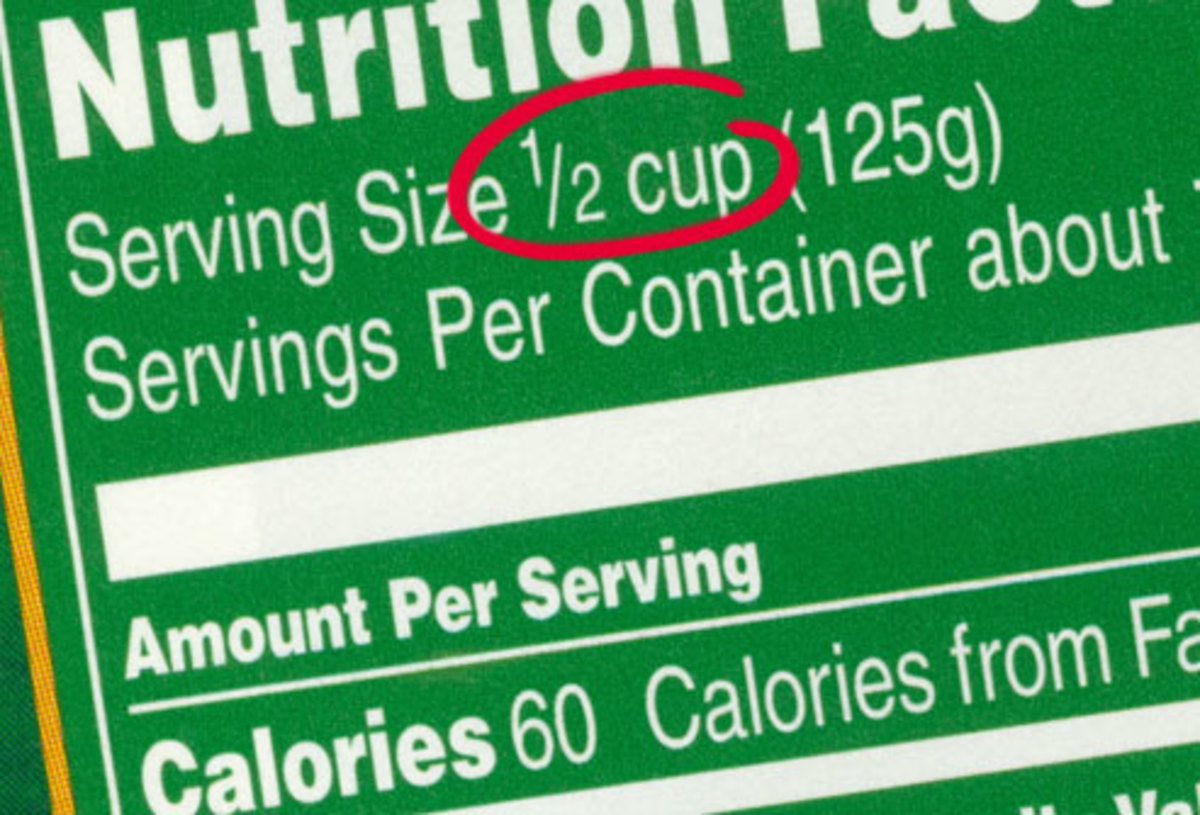 fine print of serving size on food label