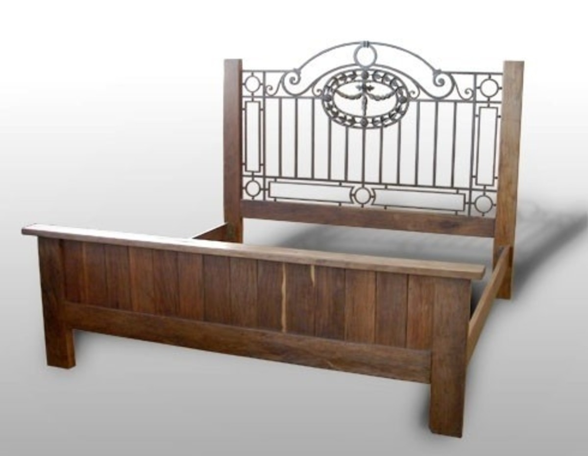 This is a good example of an antique bed frame that needs a centerbeam for proper mattress support.