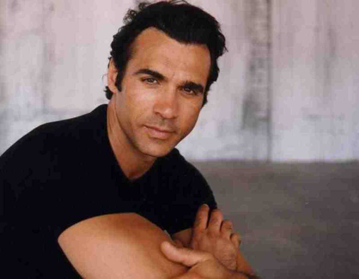 Adrian Paul. The Sexiest Guy In The Universe!