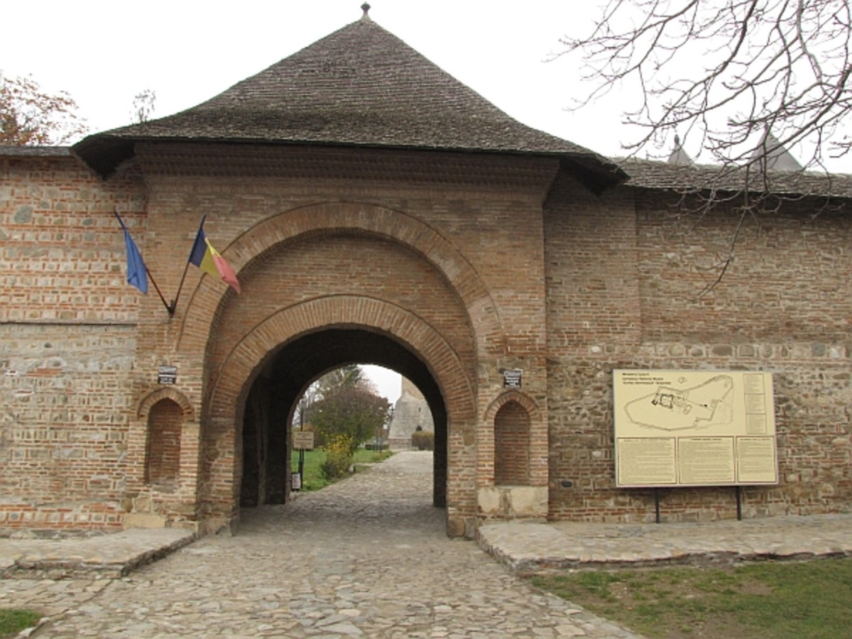 This is the Princiary Court of Targoviste, Vlad's residence as voivode.Photo by Radu Adam: http://www.flickr.com/photos/raisedfist/