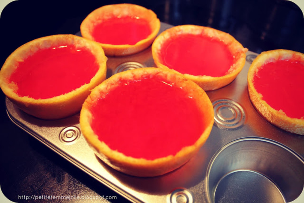 An example of a jello shot in a fruit peel.  Once they get hardened, you can even slice them for mini shots!