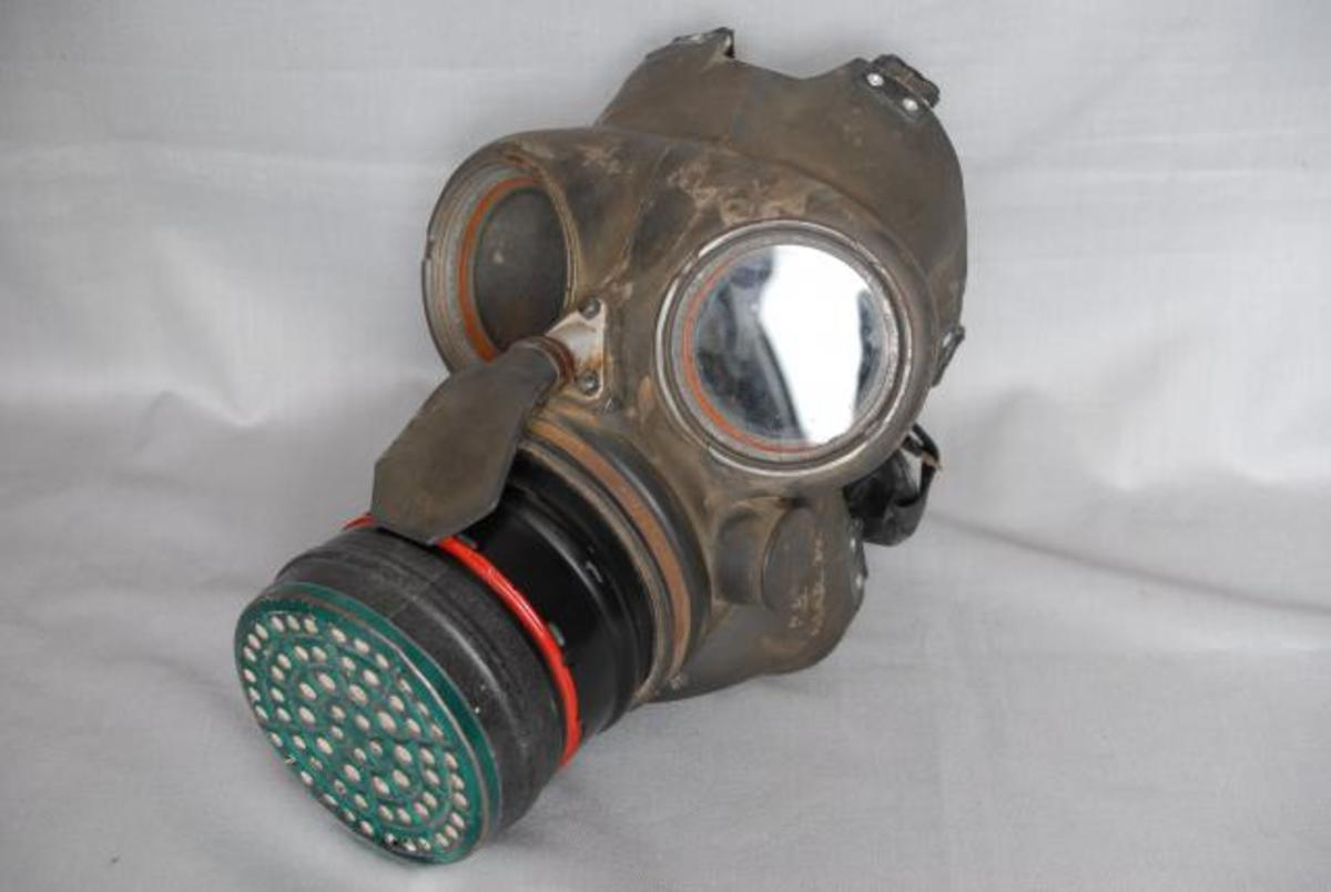 how-to-make-a-simple-gas-mask-ww2-evacuation-world-war-2-ideas