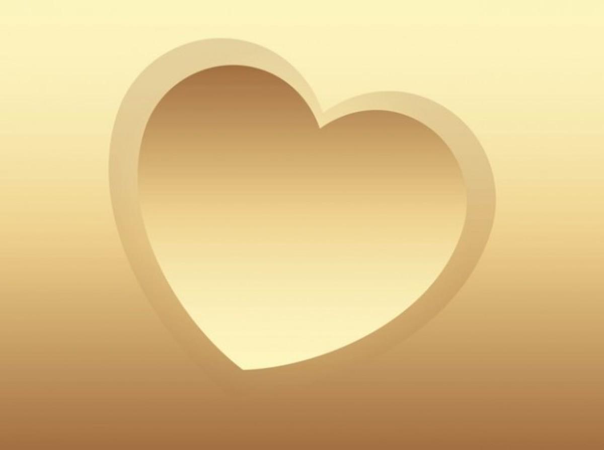 Tilted Golden Heart Pic