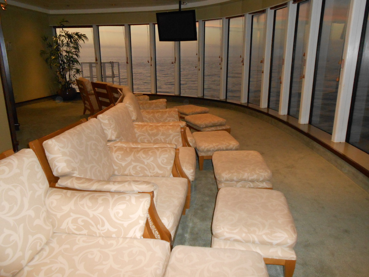 A second quiet lounge area in the spa