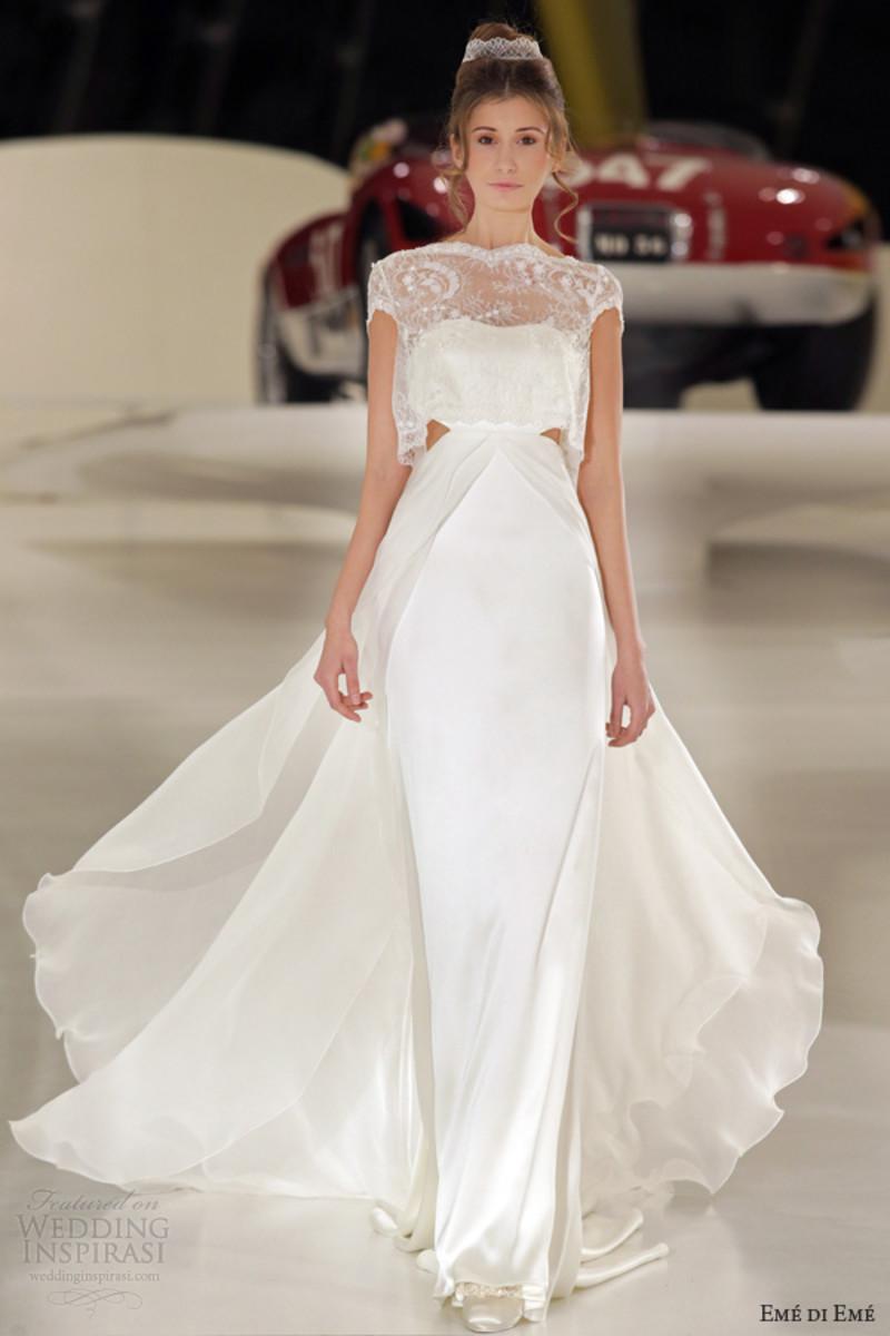 Lovely sleek wedding dress!