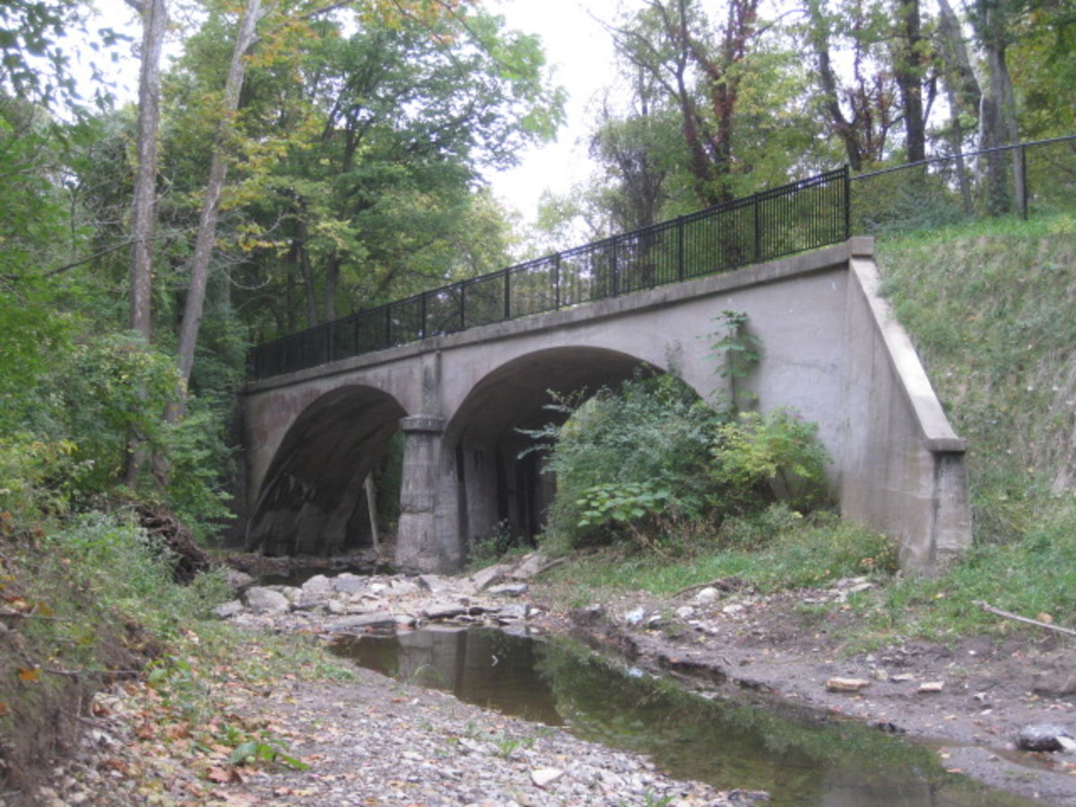 Double Luten Arch designed Bridge