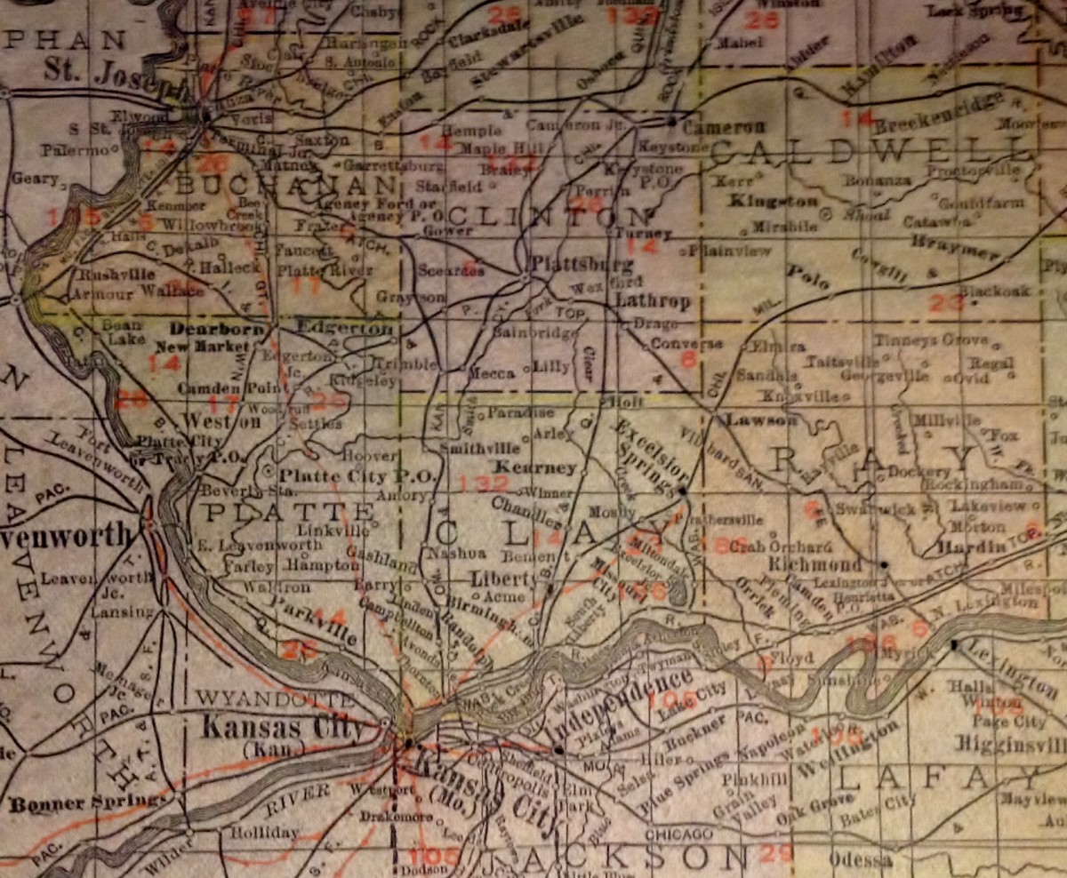 Early 1900s railroad map.  Must be after 1913, depicts both St Joseph and Excelsior Springs lines in light orange.