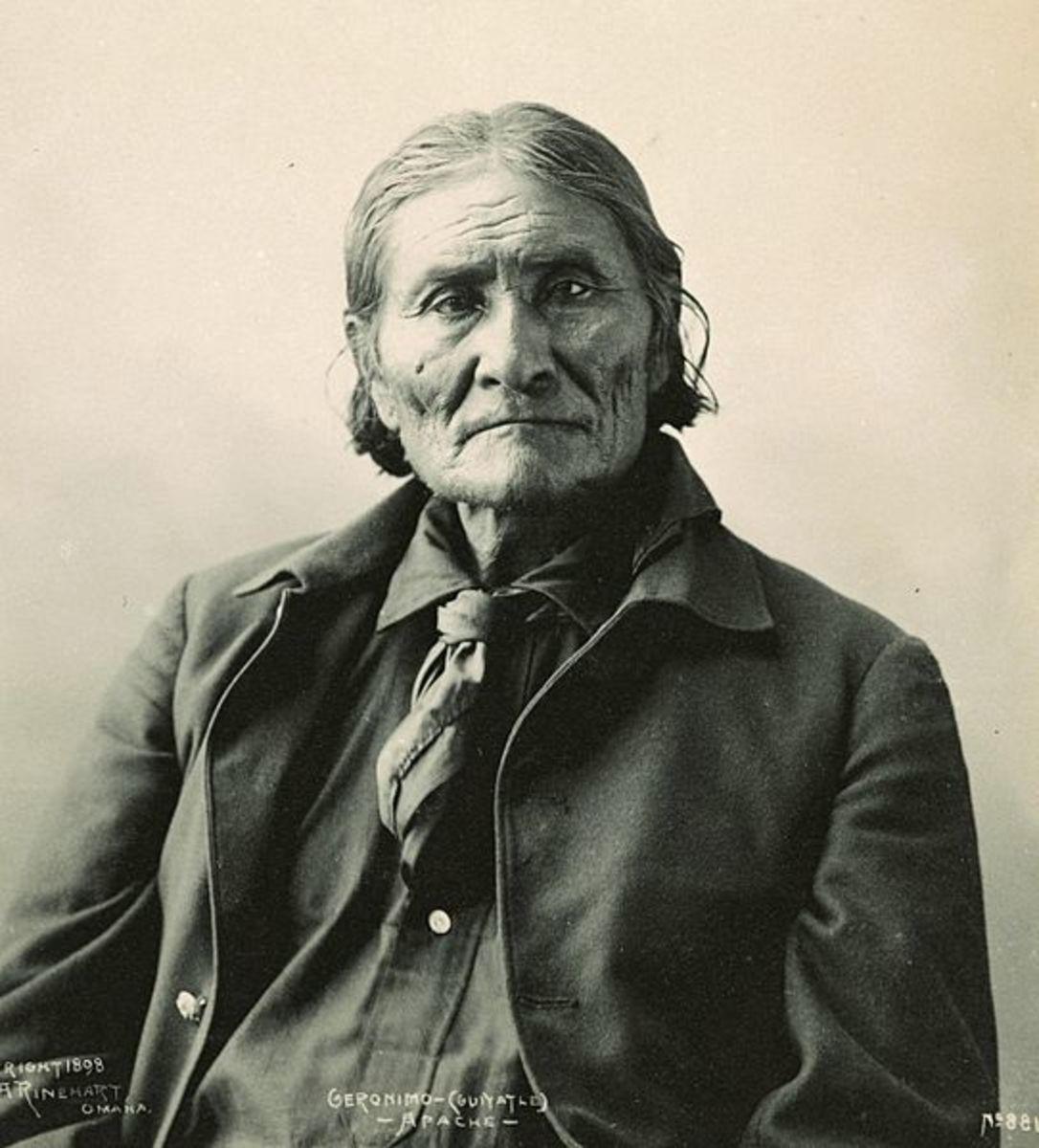 Geronimo, Chiricahua Apache leader. Photograph by Frank A. Rinehart, 1898.