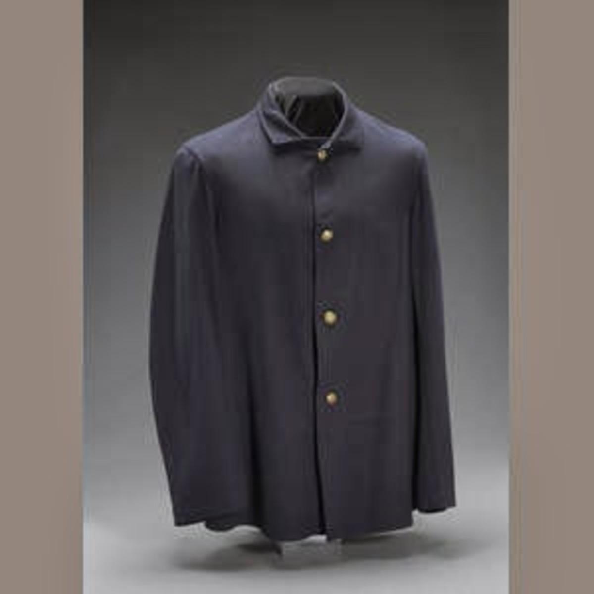 Fig. 9: Dark blue Fatigue Blouse (Sack Coat)