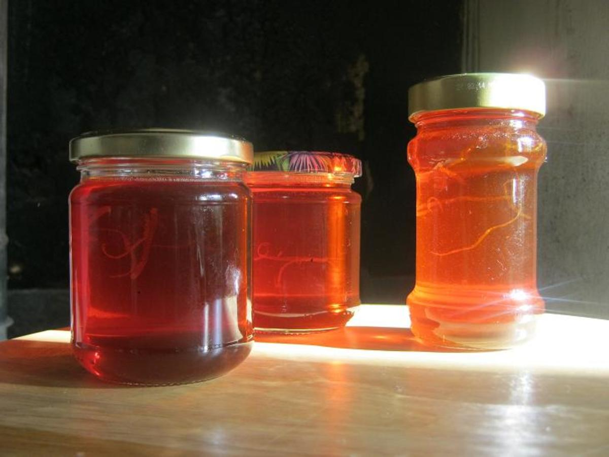 Medlar jelly recipe: a deliciously unusual clear jelly that can be served as a sweet preserve or with meats and savory dishes