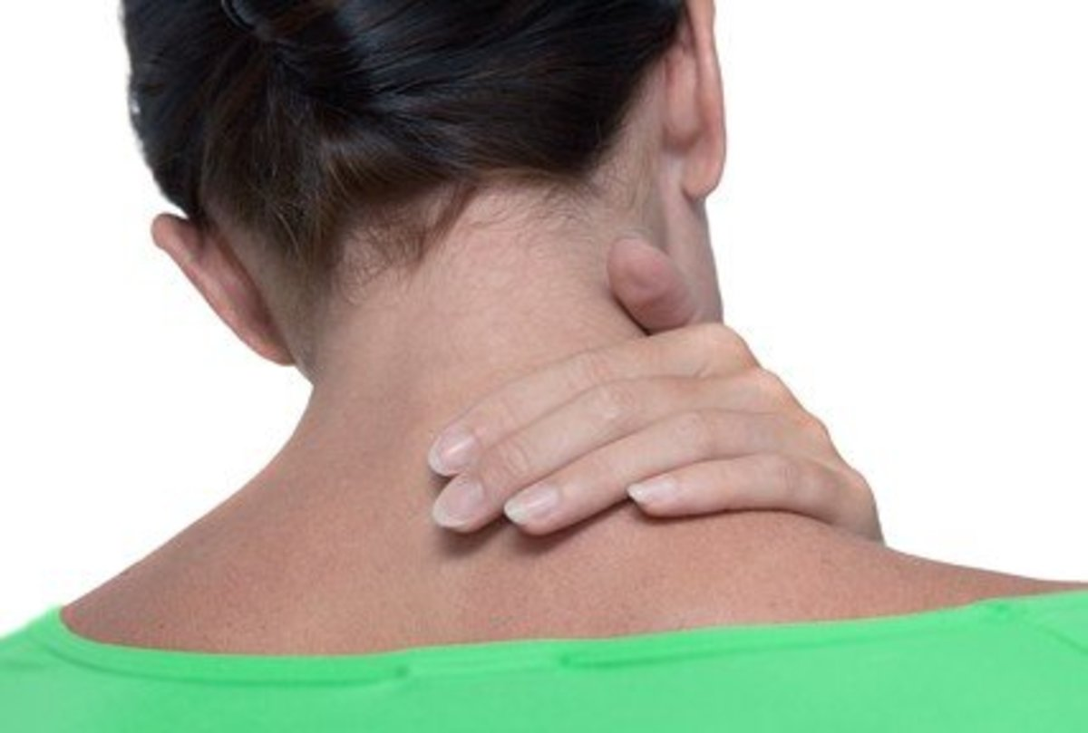 Pinched Nerve in Neck - Symptoms, Causes, Treatment