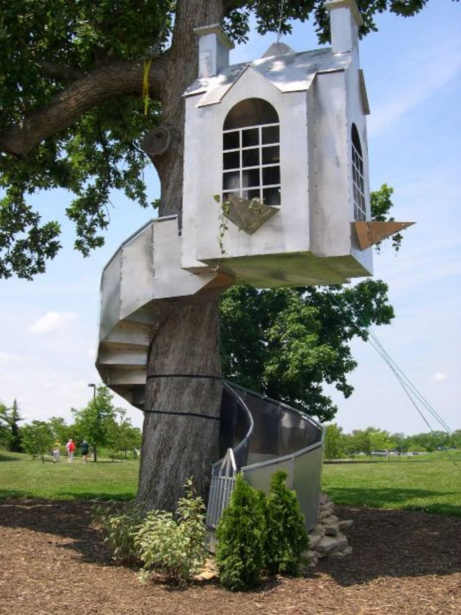 metal art tree house