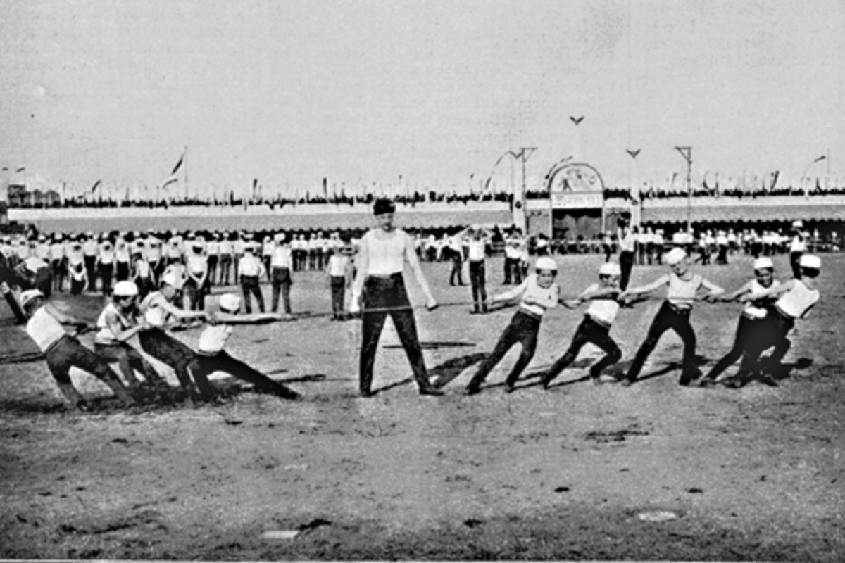 A much more 'up-to-date' tug of war battle, photographed in June 1895 in Prague, in the former republic of Czechoslovakia. Just five years after this photo was taken, tug of war became an official Olympic sport