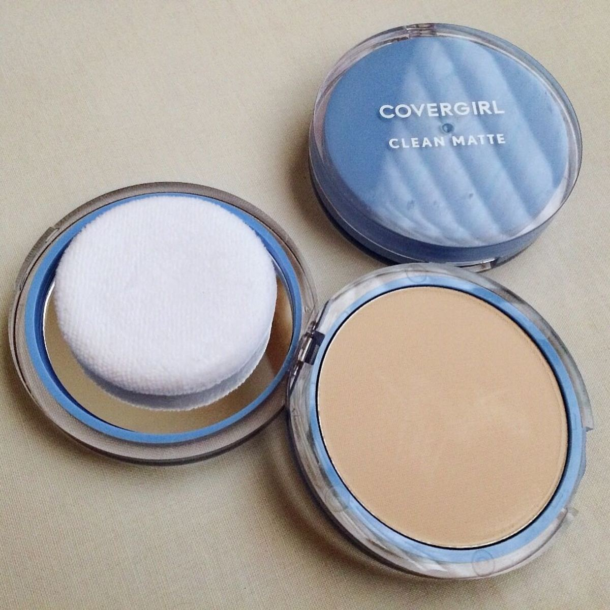 Cover Girl Clean Matte Pressed Powder for Oily Skin Types