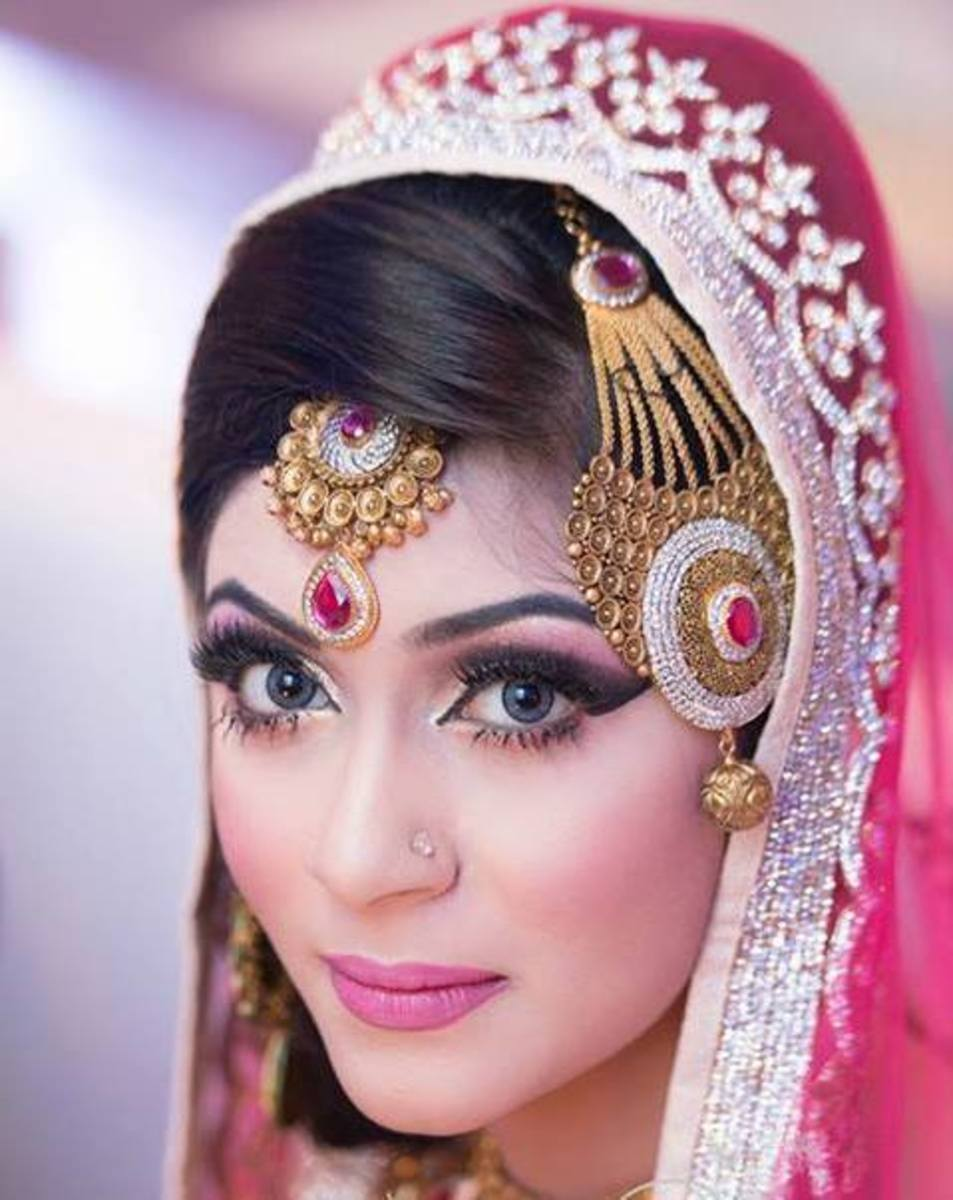 Exquisite bridal makeup by Ms. Sadia Moyeen, La Belle.