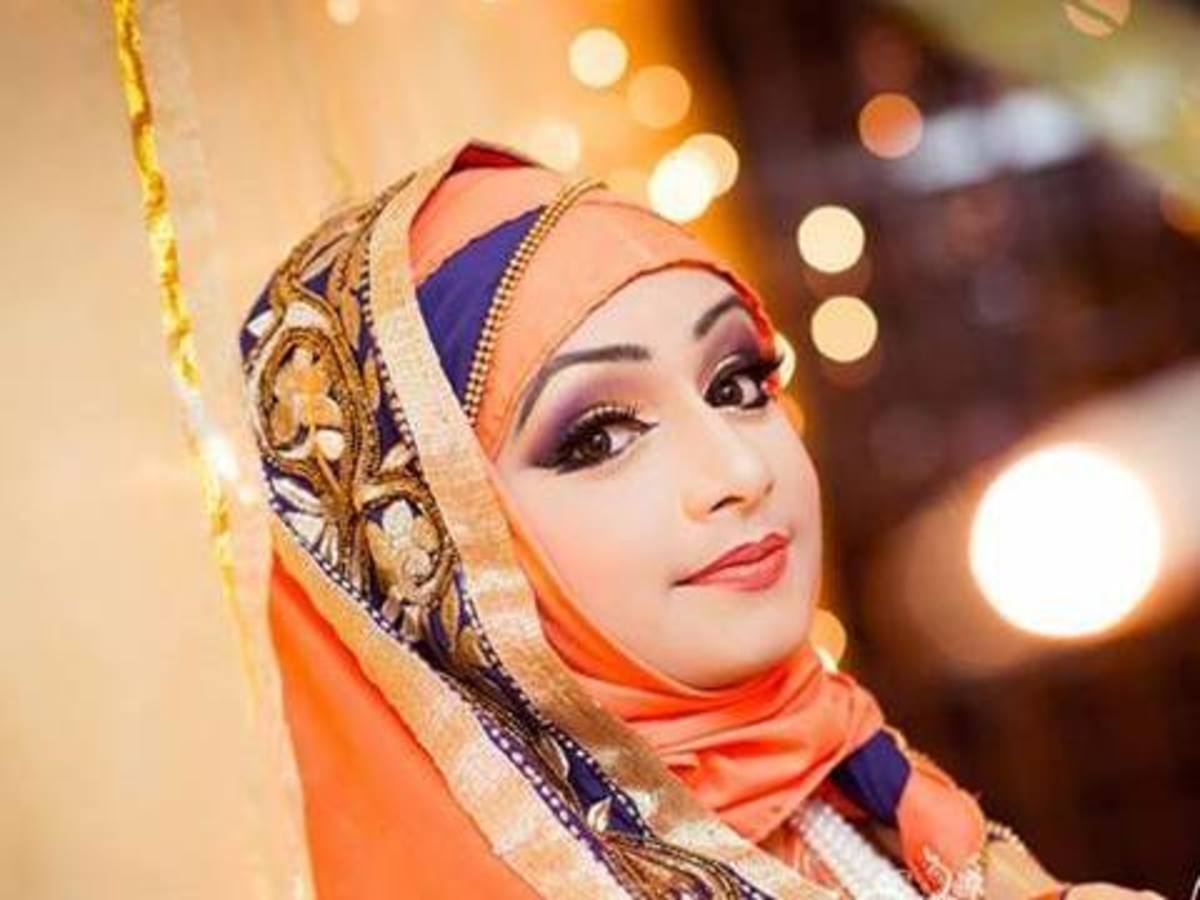 Sadiya Moyeen makeover of a beautiful Bangladeshi bride in hijab.