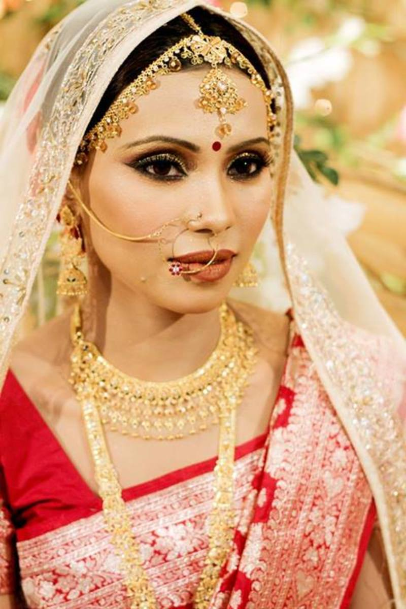 Farzana Shakil's makeover on a Bangladesh bride.