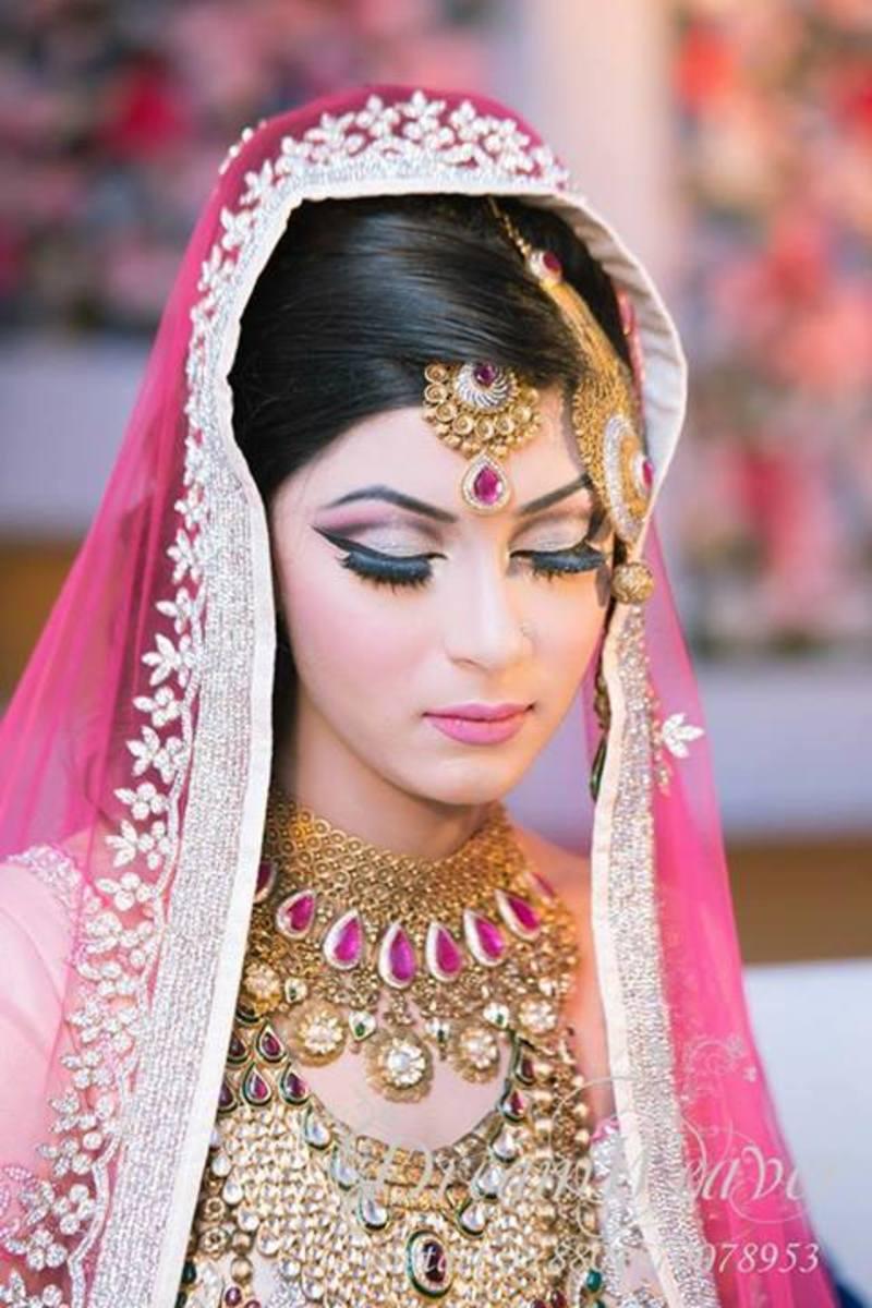 Best Bridal Makeup Parlour : Best Beauty Parlour for Bridal Makeup in Bangladesh
